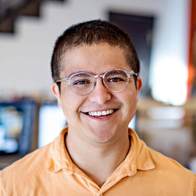 Carlos Erazo - Graphic Designer