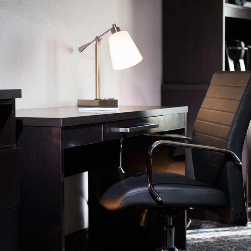 Desk at Tonkawa Hotel & Casino room